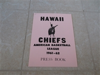 1961-62 Hawaii Chiefs ABL Basketball Media Guide Abe Saperstein  VERY RARE!